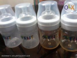 Avent 4oz Bottles Pre-loved